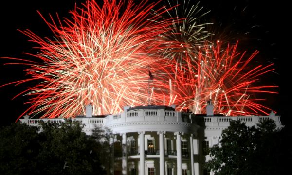 Fuochi d'artificio sulla Casa Bianca