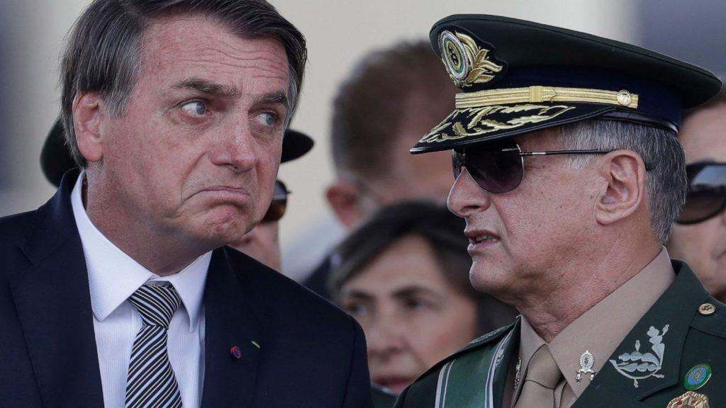 Presidente Bolsonaro ed un alto esponente delle forze armate